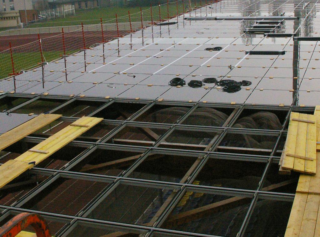panneaux-toit-tribune